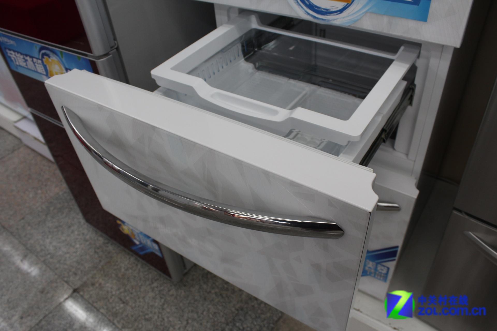 风冷无霜技术 美菱三开门冰箱现7499元