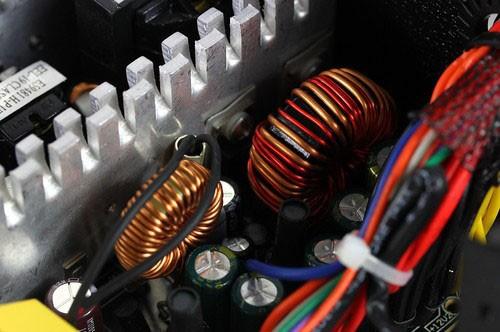 低压滤波电路有多个二极管
