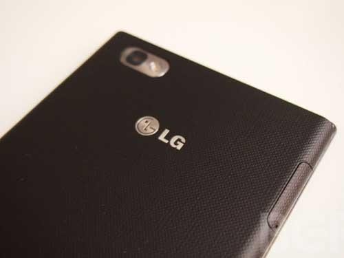 5.5英寸1080p屏 LG Optimus G2又战叁星
