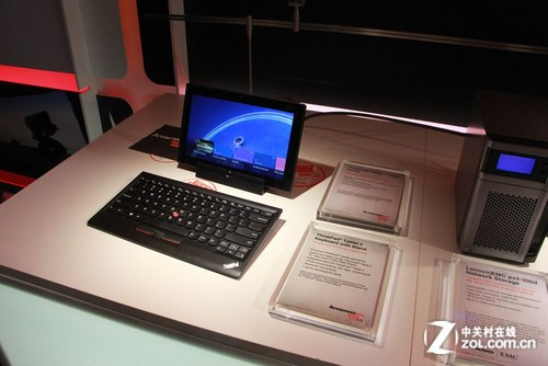 CES 2013:联想展台多款平板齐亮相
