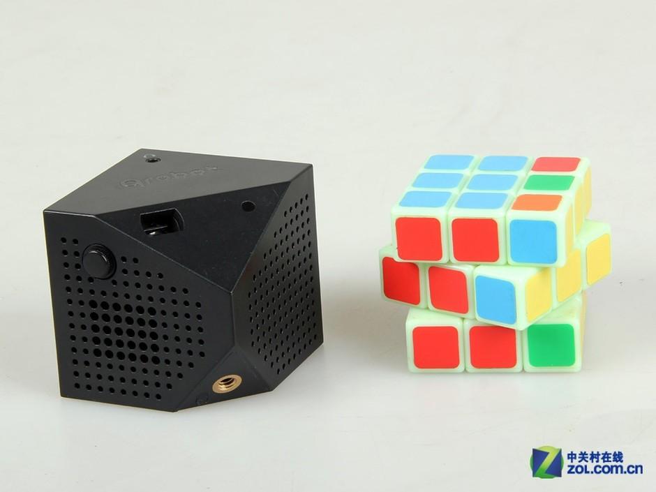 动态 互动/LED便携商务娱乐神器 Q影互动微投图赏