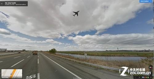 无处不在 谷歌街景车偶然拍到航天飞机