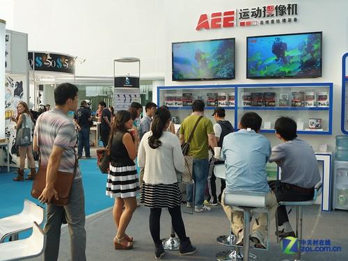 运动摄影最佳搭档 AEE火爆亮相潜水展
