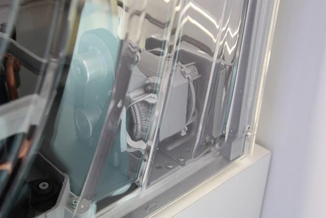 松下滚筒洗衣机内部构造展示