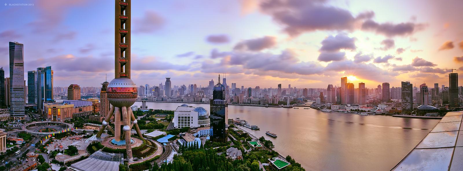 高楼林立的金融王国上海陆家嘴摄影作品