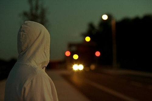 一个人看世界的灯火阑珊 唯美意境摄影 原创