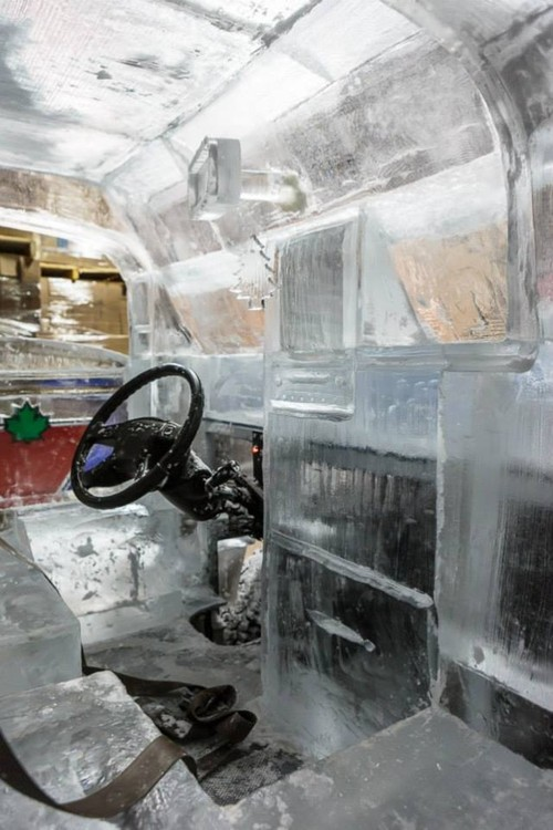 营销怪招 电动车电池组合冰造货车上路