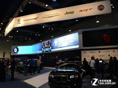 汽车厂商不同,菲亚特展台并没有太多实质性的涉及移动互联网高清图片