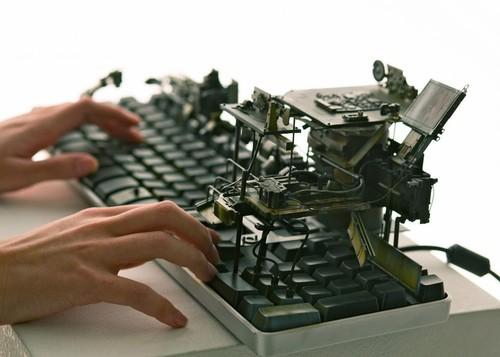 池内启人总共设计了八个造型各异的U盘外壳等待用户去发掘,而这部电脑本身则是完全可以正常使用的。