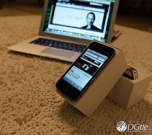 单品21 iPhone4S 联通/电信版 2598/2599元