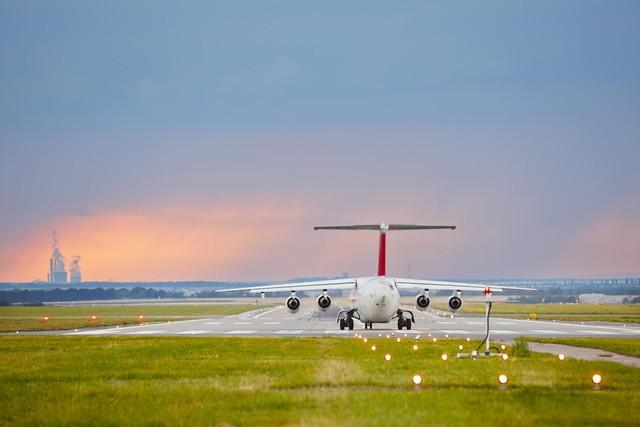 飞机场摄影作品