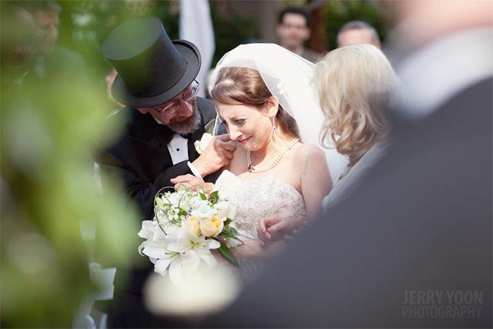 /slide/456/4568277_1.html dcdv.zol.com.cn true 中关村在线 http://dcdv.zol.com.cn/456/4568277.html report 184 婚姻是每个人生命中都要经过的重要环节。记录婚姻同等于记录幸福。不同的拍摄角度给人的视觉感受也是不一样的。我们此次在网络上精心搜集了一些国外知名婚礼摄影师的拍摄作品来和大家一起欣赏学习。.