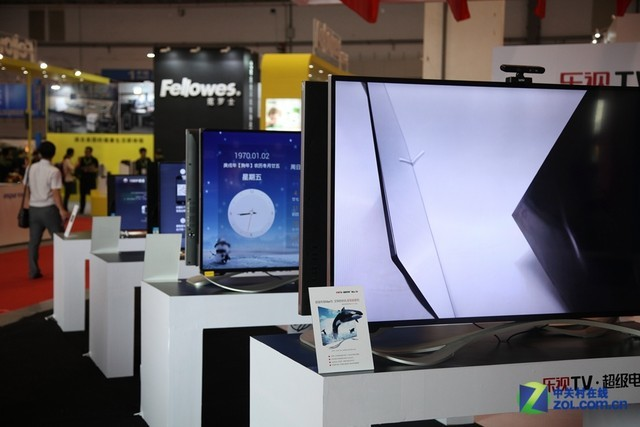 /slide/466/4664976_1.html hd.zol.com.cn true 中关村在线 http://hd.zol.com.cn/466/4664976.html report 220 第十三届SINOCES在青岛召开,此次盛会吸引了众多家电企业参展,展会亮点颇多。不得不承认现在是互联网时代,作为互联网时代成功的转型者,乐视TV此次携自己的超级电视产品线参展SINOCES,新思路会为我们客厅带来什么改变呢?一起去看看。.
