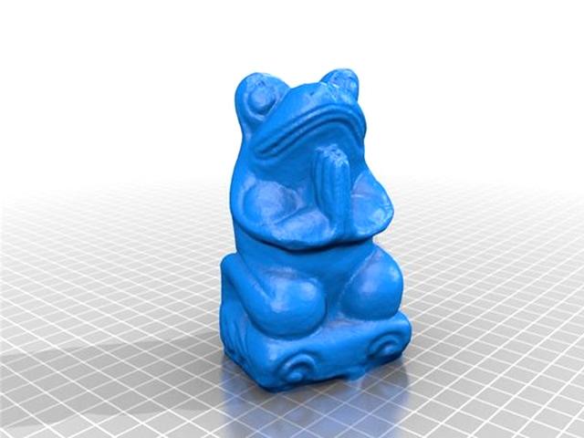 【中关村在线办公打印频道原创】曾几何时,我们痴醉于完美的动物卡通形象,可爱而又充满智慧。看过《熊出没》之后,我们会逛一些礼品店,见到毛绒绒的熊猫便爱不释手。玩过愤怒的小鸟,我们同样也会买小鸟造型的挂饰。今天笔者收集了一些3D打印版的动物模型,这里有水上世界的章鱼,有天上飞的蝴蝶,同样有地上跑的大象。这些动物模型可爱至极,让我们一起沉醉在这3D打印版的动物世界里吧!