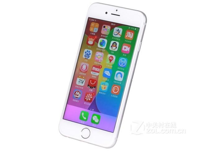 苹果iPhone6手机机身配色方面有深空灰色,银色,金色,深受用户推崇。手机尺寸为138.1x67x6.9mm,采用物理按键,拥有前置指纹识别功能。苹果iPhone6手机CPU频率为1.4GHz,CPU采用双核,性能强劲,GPU采用Imagination PowerVR SGX6450,机身内存为16GB/32GB/64GB/128GB。不支持容量扩展,并且iPhone 6搭载了1810mAh电池,并且拥有互联网使用时间:10小时(3G),10小时(4G),11小时(无线网络),视频播放:11小时,音频播