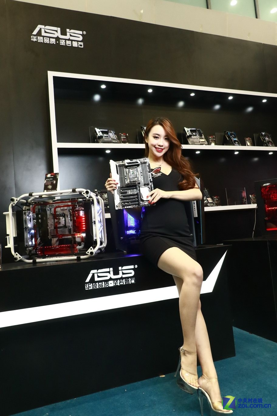高能硬件配美女:WGT Showgirl高清图赏