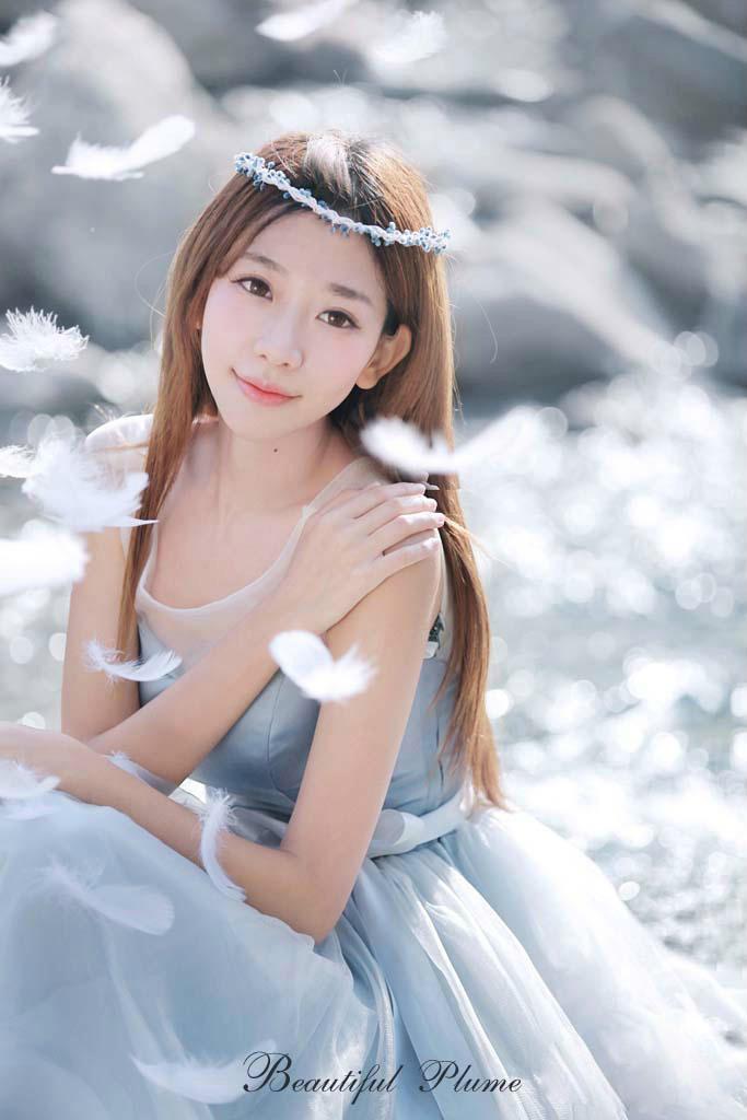 """""""小林志玲""""美女陈潇为硬件代言 靓丽可爱"""