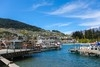 新西兰皇后镇市区看的山湖