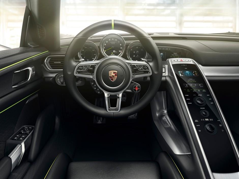 深圳IT�W�蟮�:大�帕密�:千�f�超跑,保�r捷918 Spyder