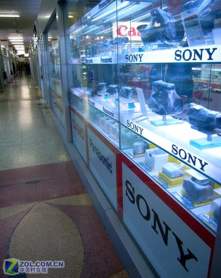 五棵松摄影器材婚纱_冷清 五棵松摄影市场开市第一天综述_数码相机_数码影像导购 ...
