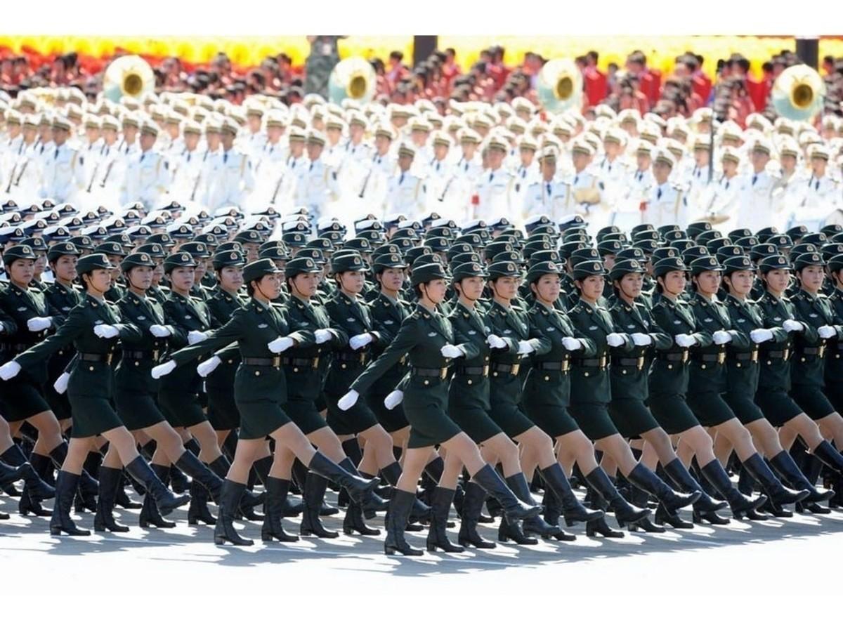 【高清圖】震驚世界!60年國慶閱兵女兵風姿壁紙 圖1