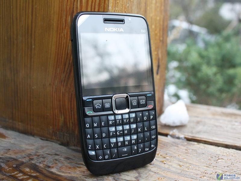 Толщина. Смартфон Nokia Nokia E63 поддержка 3 G/WIFI взлома.