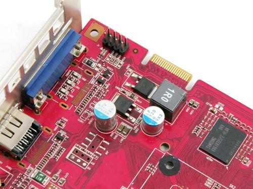 供电的一相电路设计,也采用了日本nichicon全固态电容和铁素体电感.