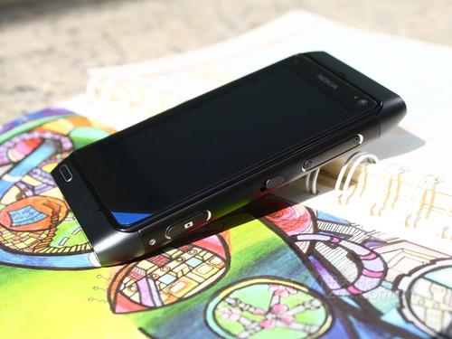 诺基亚 N8 黑色 外观图