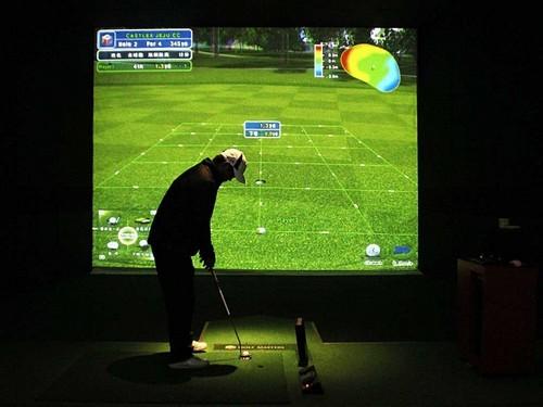 用3d投影实现室内高尔夫-中关村在线