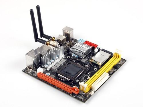 接口全面技术超前 赏索泰H67 ITX小板