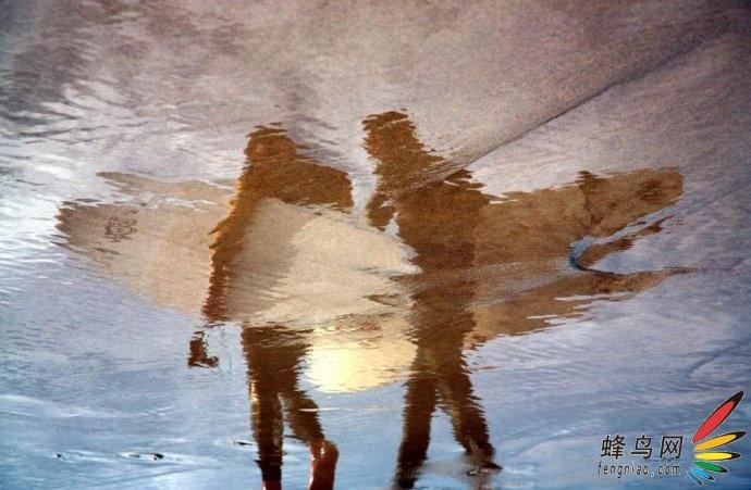 【高清图】 宛若印象画——摄影师拍摄沙子上的倒影图4