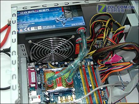 内置cpu水冷散热器 450w奇异电源赏析