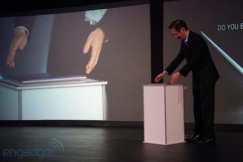华硕ZenBook超轻薄本纽约发布(组图)