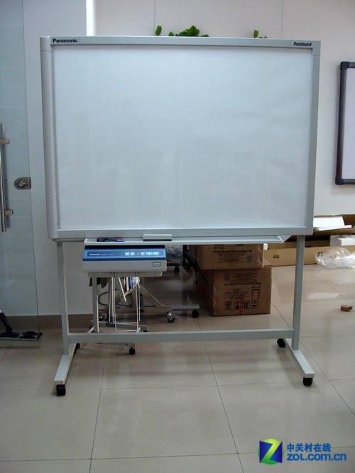 也可以使用可移动支架安装白板
