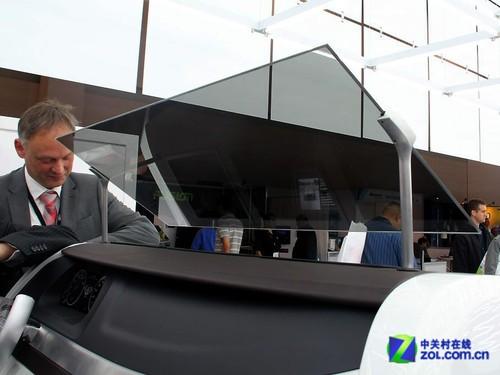 CES2012:奥迪秀手势识别投影导航系统