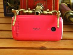 诺基亚 603 粉色 背面图