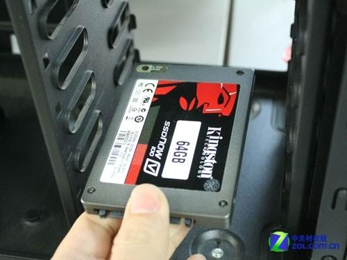 5英寸的固态硬盘就不能安装在台式机里面了吗?