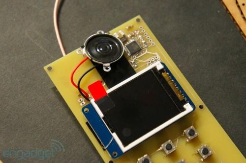 技术宅又现 麻省理工实验室出木板手机