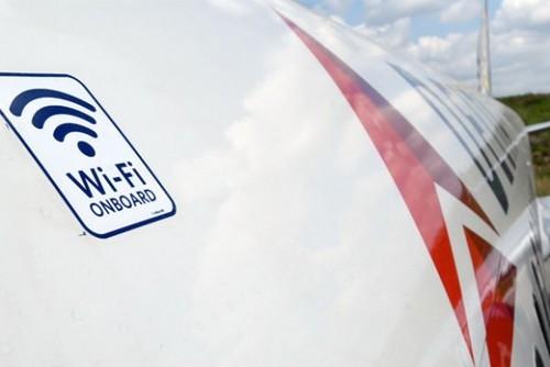 飞机里wifi上网 国内航班部署仍需等待