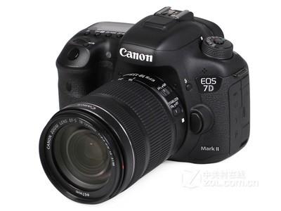 顺丰包邮!佳能 7D Mark II(单机):6800元,搭配18-135STM镜头套机:8800元,搭配15-85IS USM镜头:10300元。