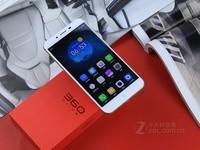 360手机vizza信号好 京东售价899元 (有赠品)