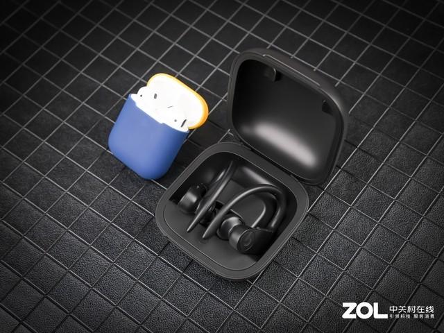 苹果AirPods与Powerbeats Pro耳机详细对比
